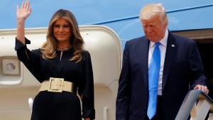 Die First Lady kommt ohne Kopftuch