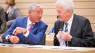 Noch ist die Stimmung gut, doch der schwarz-grünen Regierung in Baden-Württemberg von Thomas Strobl (CDU, l.) und Winfried Kretschmann droht ein Koalitionskrach über die Einstufung der Maghreb-Staaten