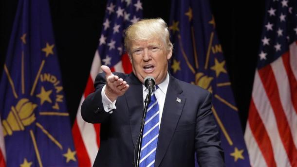 Schlägt Trump nun Clinton?
