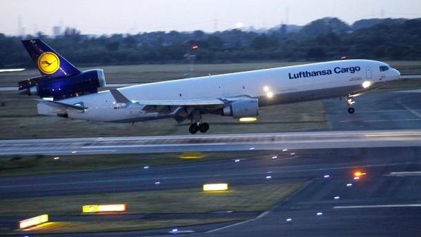 Erste Germanwings-Opfer nach Deutschland überführt