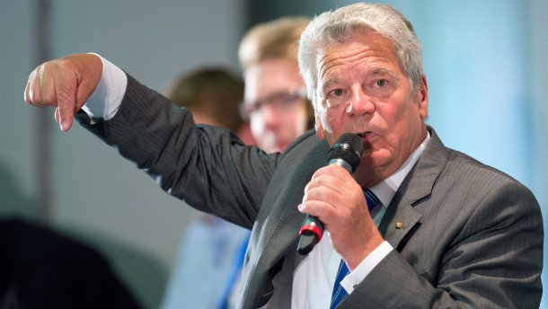 Gauck darf NPD-Anhänger Spinner nennen