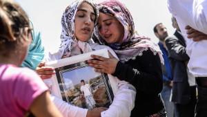 """Ministerpräsident: Explosionen in Diyarbakir sind """"Sabotage"""""""
