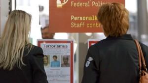 Polizei fahndet nach mutmaßlichen Terroristen