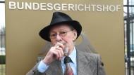 Etappensieg für Raucher Friedhelm Adolfs