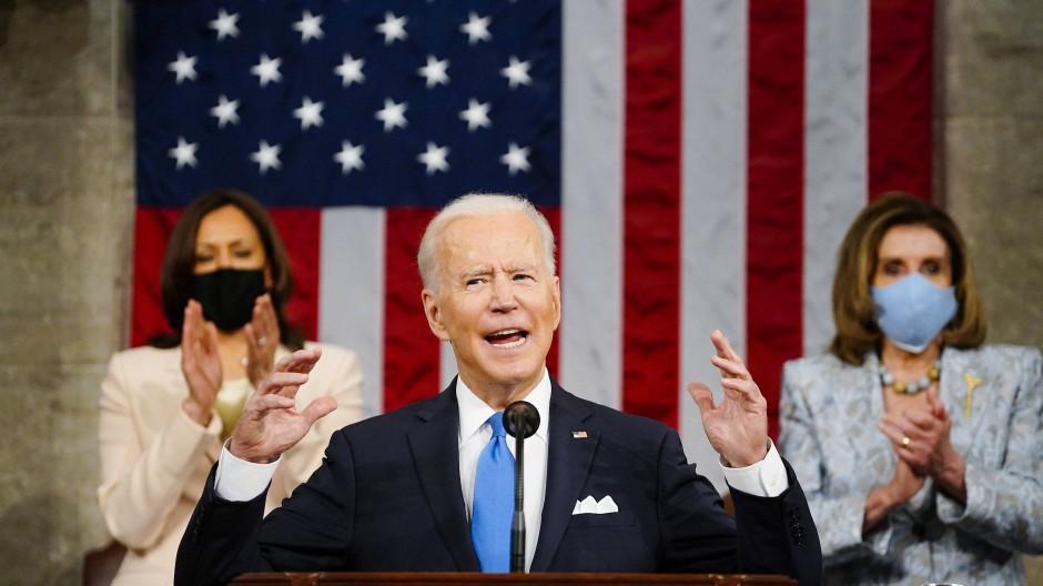 Joe Biden spricht am 28. April anlässlich seiner ersten hundert Tage im Amt vor dem US-Kongress.