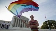 Oberstes Gericht entscheidet über Homo-Ehe