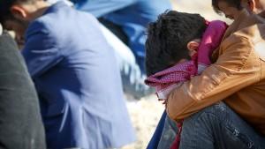 Zahlreiche Kinder bei Angriff auf Moschee getötet