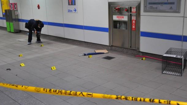 Student tötet mindestens drei Menschen in U-Bahn in Taipeh
