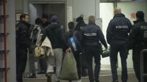Deutschland setzt Abschiebungen nach Afghanistan vorerst aus