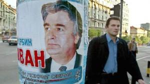 Sfor-Soldaten durchsuchen Haus von Karadzic