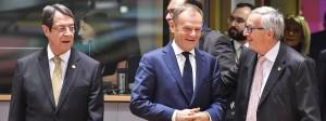 Donald Tusk neben EU-Kommissionspräsident Jean-Claude Juncker (rechts) und dem zyprischen Präsidenten Nicos Anastasiades am Donnerstag in Brüssel