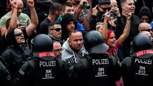 Seehofer bietet Sachsen Polizeiunterstützung des Bundes an