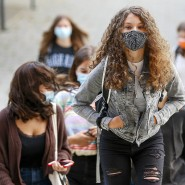 Schülerinnen Mitte September in Luxemburg: Auch im Großherzogtum ist die Frage, welche Rolle die Schulen im Infektionsgeschehen haben, umstritten.