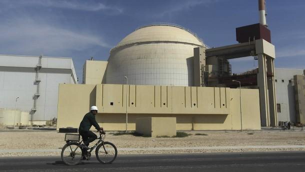 """Frankreich warnt Iran vor """"Flirt mit der roten Linie"""""""
