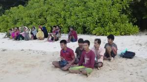 Mit Knüppeln gegen hungerstreikende Rohingya