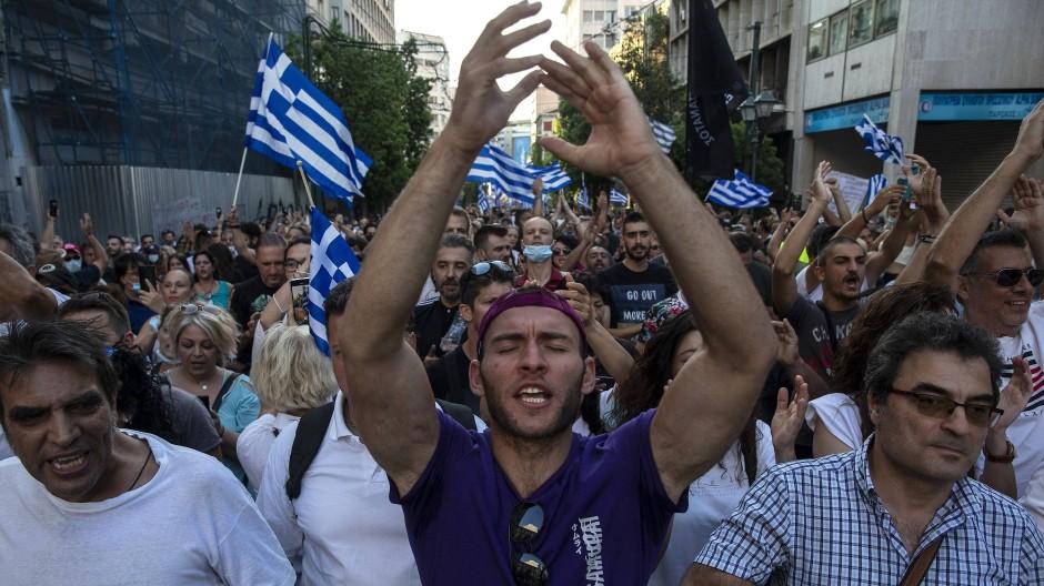 Impfgegner demonstrieren in Athen