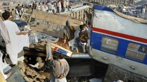 Mehr als 50 Tote bei schwerem Zugunglück befürchtet