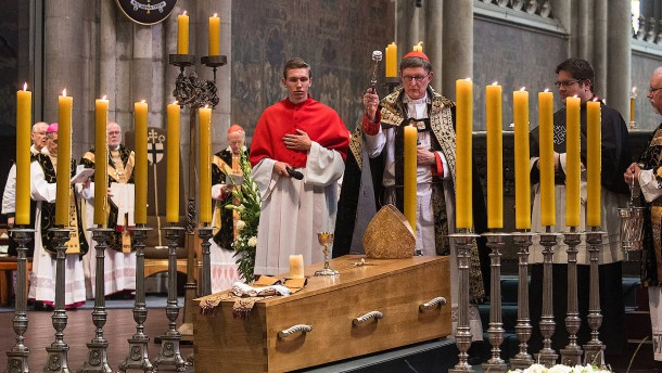 Kardinal Meisner beigesetzt
