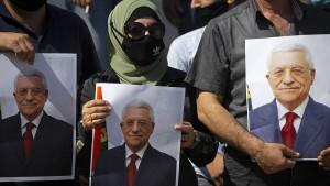 Palästinenserpräsident Abbas unter Druck