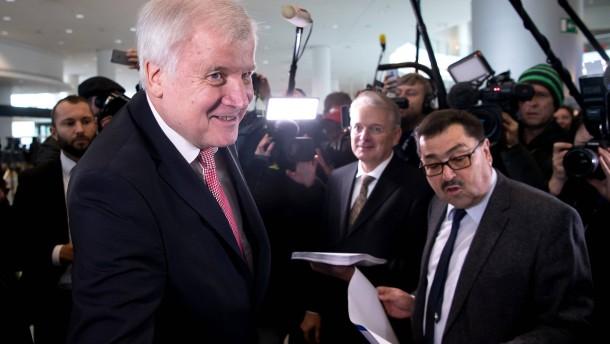 Seehofer erklärt CSU-Krise für beendet