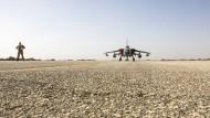 """Ein Tornado der """"Bundeswehr"""" auf der Luftwaffenbasis Al Azrak"""