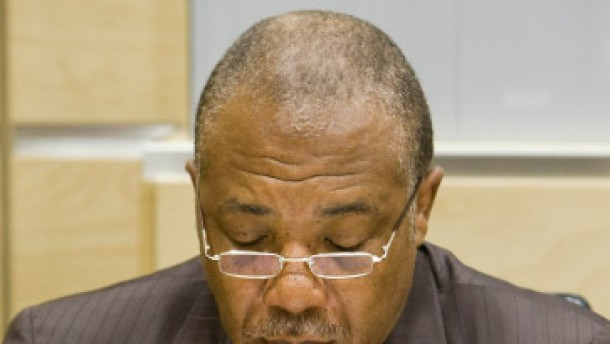 Verteidiger bestreiten Schuld Charles Taylors