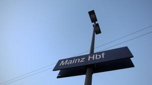 Netzagentur droht Bahn mit Zwangsgeld