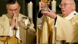 Schwule und Lesben kritisieren katholische Kirche