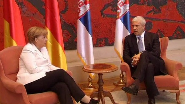 Merkel stellt Serbien Bedingungen