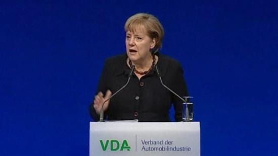 Merkel eröffnet Automesse in Frankfurt