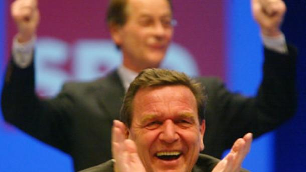 Schröder als SPD-Vorsitzender wiedergewählt