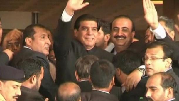 TV - Gericht ordnet Festnahme von Ministerpräsident und 16 anderen an