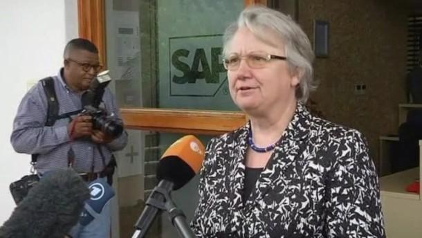 Doktorgrad entzogen: Ministerin Schavan kündigt Klage an