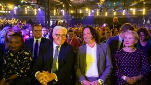Steinmeier fordert vernünftigere Debatten im Netz