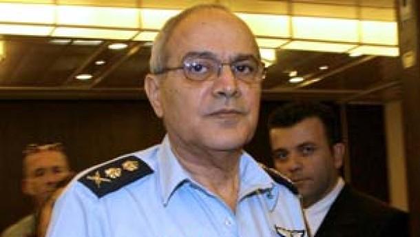 Israels Generalstabschef Halutz tritt zurück