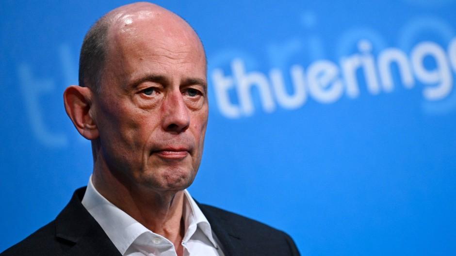 Der richtige Zeitpunkt: Wolfgang Tiefensee kündigt seinen Rückzug aus der Politik an.