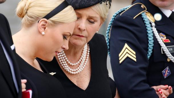 Meghan McCains Seitenhieb gegen Trump