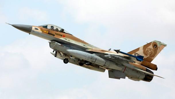 Israelische Kampfflugzeuge über Deutschland