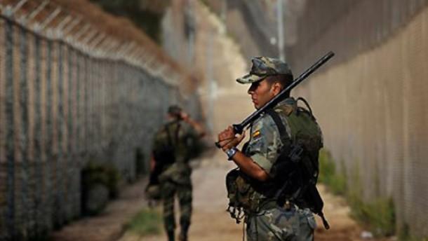 Spaniens Exklave Melilla blockiert