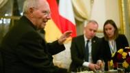 """""""Die europäische Einigung baut immer auch auf der Zusammenarbeit zwischen Frankreich und Deutschland auf"""", sagt Wolfgang Schäuble."""