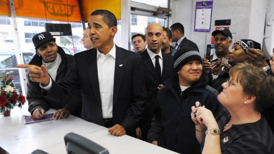 """""""Einen Half Smoke bitte"""": Obama im Ben's Chili Bowl"""