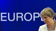 """Premierministerin Theresa May sprach von einem """"sehr fairen und sehr ernsthaften Angebot"""". Das sahen jedoch nicht alle so."""