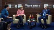 Merkel und Erdogan beim Treffen am Randes des Nato-Gipfels in Warschau.
