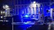 Zwei Täter griffen am vergangenen Wochenende eine Synagoge in Göteborg mit Brandsätzen an. Wegen des Regens brach kein Feuer aus und niemand wurde verletzt.