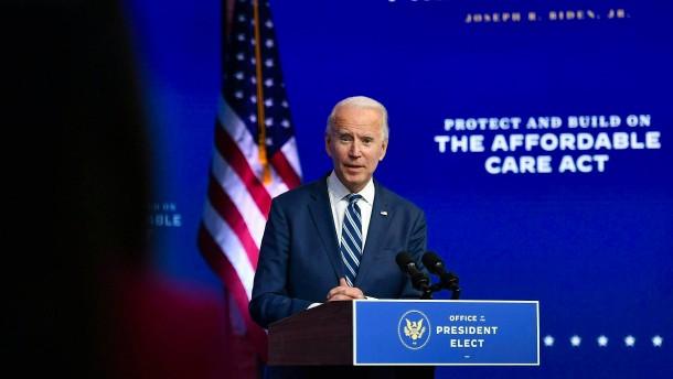 """Biden bezeichnet Trumps Verhalten als """"peinlich"""""""