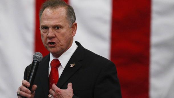 Republikaner Moore ficht Ergebnis an