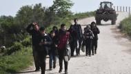 In Griechenland angekommen: Flüchtlinge und Migranten im Grenzort Pythio
