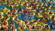 """Auf der Suche nach dem europäischen Lebensgefühl? Besucher des Wasserparks """"Dreamland"""" in Minsk."""