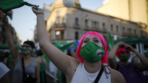 Argentinien legalisiert Abtreibungen