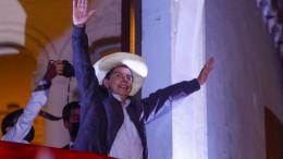 Linkskandidat Castillo erklärt sich zum Sieger
